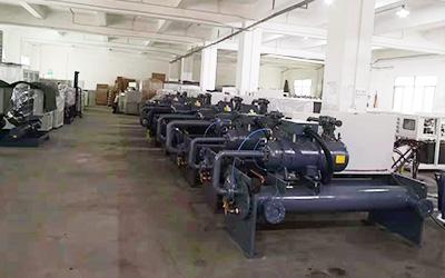 螺杆式冷水机生产线