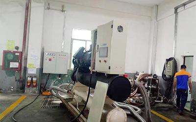 水冷螺杆式冷水机在线测试